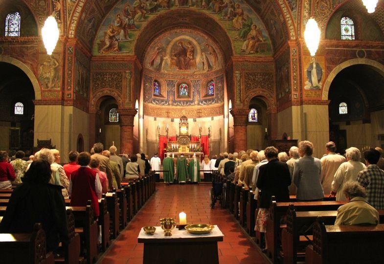 Was Spricht Gegen Die Priesterweihe Fur Frauen Den Brautigam Darstellen