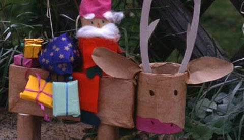 basteln-mit-papprollen-weihnachtsmann-und-rentier