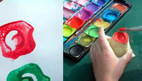 Drucken mit Hand und Fuß: Farbenfrohe Abdrücke 3