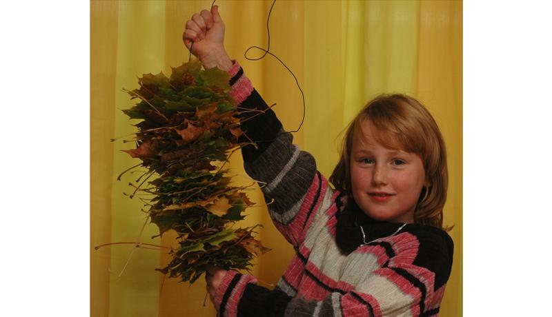 Ketten aus Naturmaterialien : Herbstlicher Schmuck 1