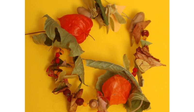 Ketten aus Naturmaterialien : Herbstlicher Schmuck 4