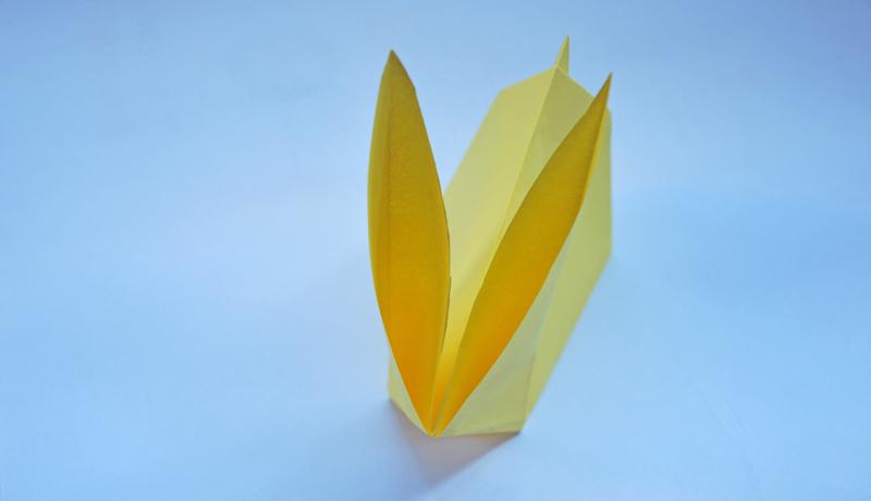 Oster-Origami: Putziger Papierhase, Schritt 8