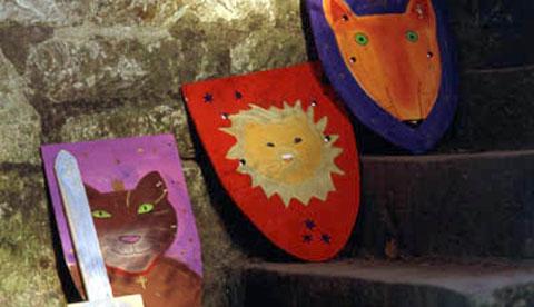 Schilde aus Sperrholz: Wie die Ritter!