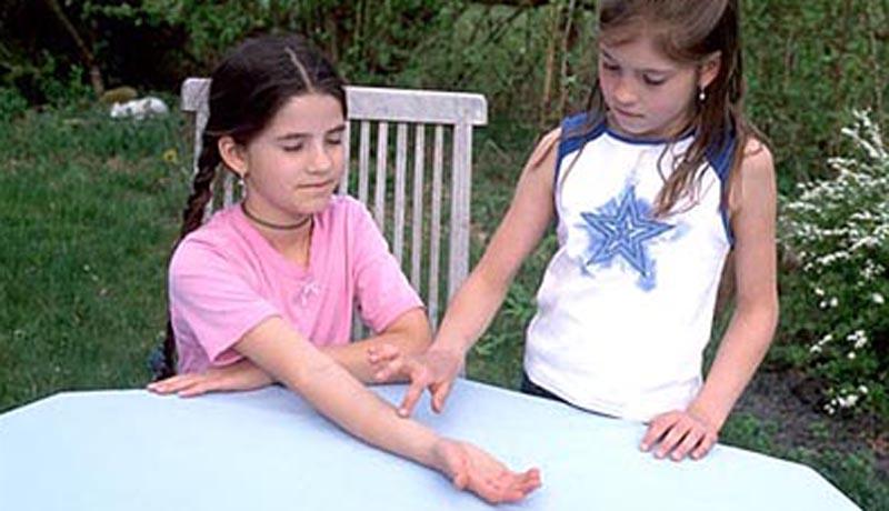 Tastsinn auf die Probe gestellt: Krabbelfinger und Doppelnase 2