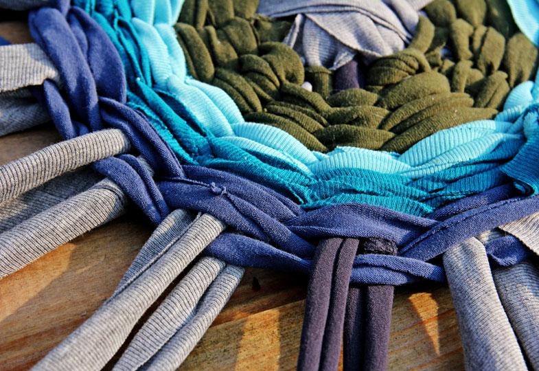 Besonders schön wird die Matte, wenn unterschiedliche Farben verwendet werden.