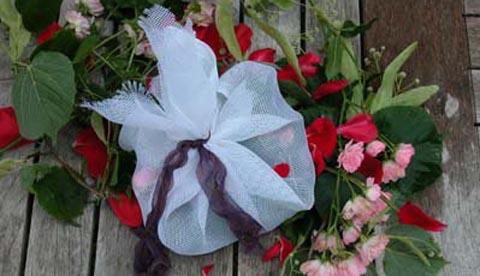 Werkeln mit Kräutern und Blüten: Erfrischungsbad und Eistee 1