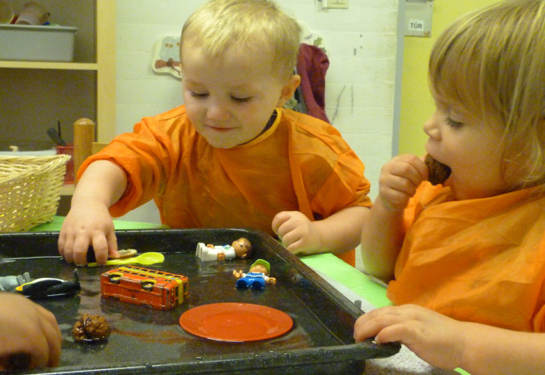 Eingefroren: Mit Kleinstkindern physikalische Gesetzmäßigkeiten erforschen