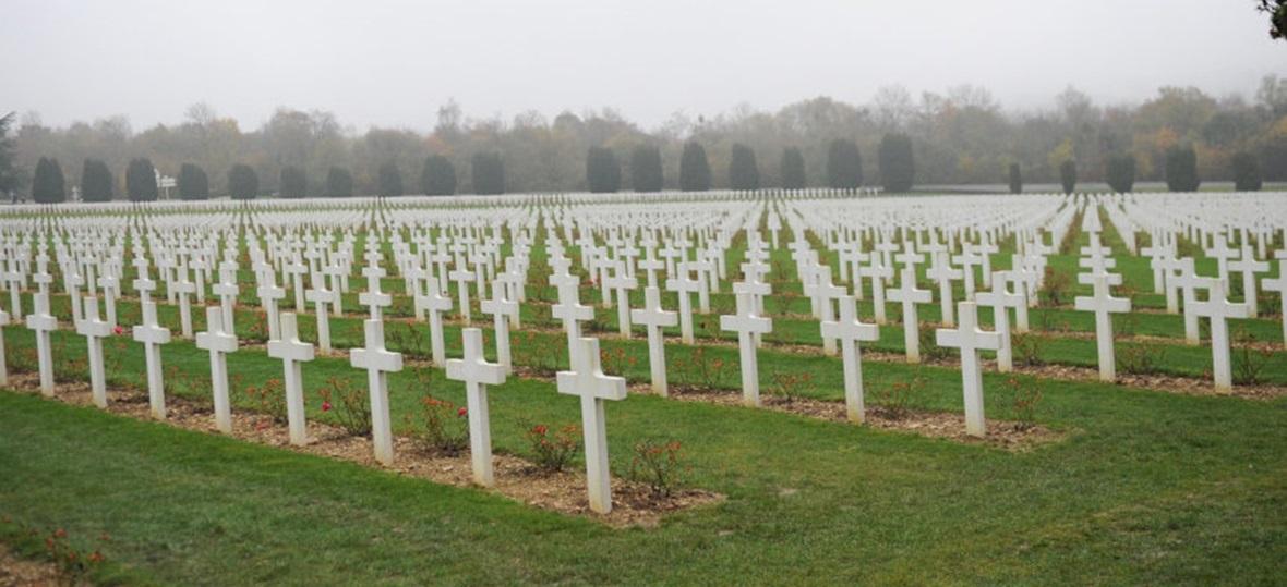 Kreuze auf dem Soldatenfriedhof in Douaumont nahe Verdun