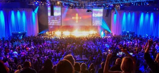 """""""Mehr-Konferenz"""" des katholisch-charismatischen Gebetshauses in Augsburg"""