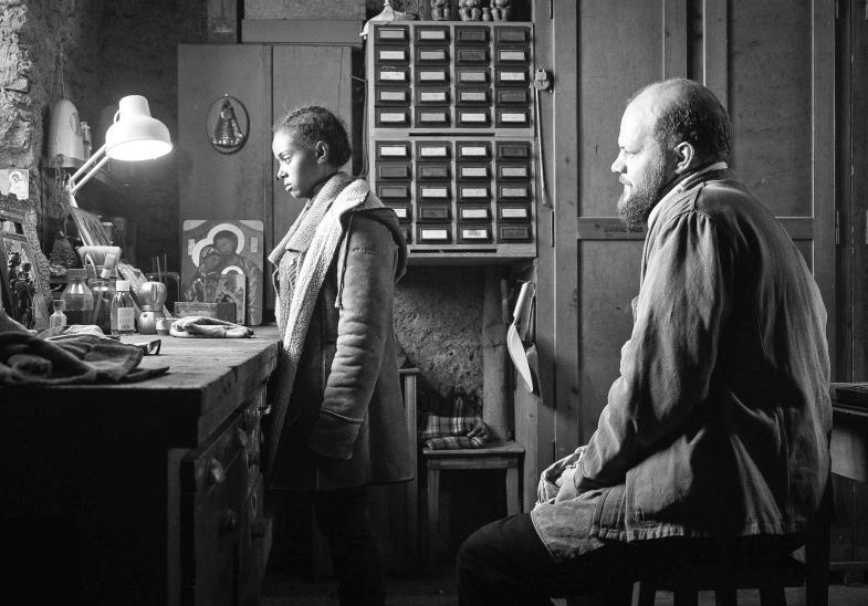 """Wie weiter nach der Flucht? Das war Thema einiger Filme der """"Berlinale"""". In """"Fortuna"""" öffnet sich die Hauptperson (Kidist Siyum Beza) einem Mönch."""