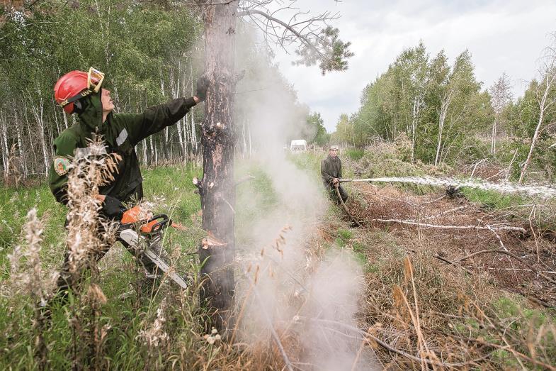 Im Einsatz. Weil der russische Staat nicht entschieden gegen alle Wald- und Torfbrände des Sommers vorgeht, nehmen Freiwillige das Löschen in die Hand.