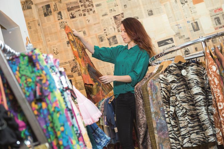 Was die eine nicht mehr wollte, kann durchaus noch eine andere begeisterte Abnehmerin finden. Secondhand-Läden werden immer beliebter.