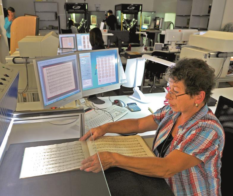 Die Digitalisierung und Online-Speicherung von Büchern und anderen Dokumenten wird vorangetrieben. Mit der neuen Technik stellen sich aber neue Fragen.