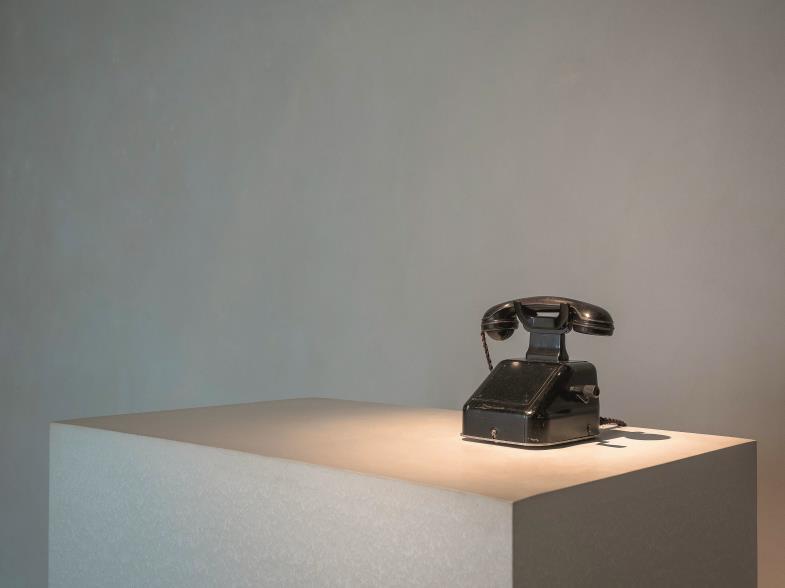 """Blick auf die """"neuen Medien"""", die uns bis heute prägen. Im Dialog der Werke erschließt das Museum neue Einsichten."""