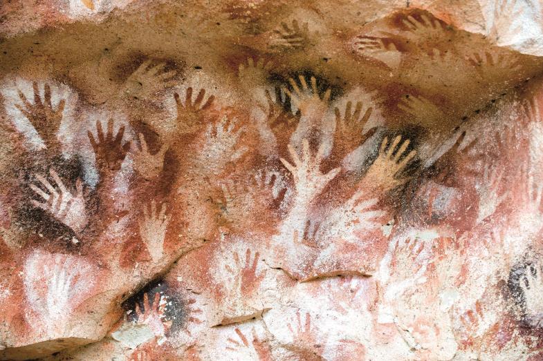 Die Höhle der Hände (Cueva de las Manos) in Argentinien, Welterbestätte der Unesco, birgt eines der ältesten Zeugnisse der Malerei.