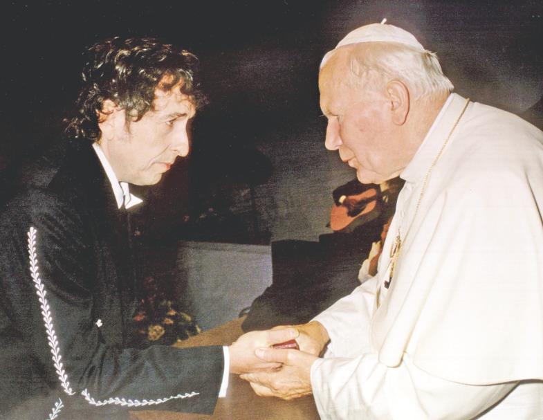 Der Poet und der Papst: 1997 traf Bob Dylan Johannes Paul II. und sang für ihn.