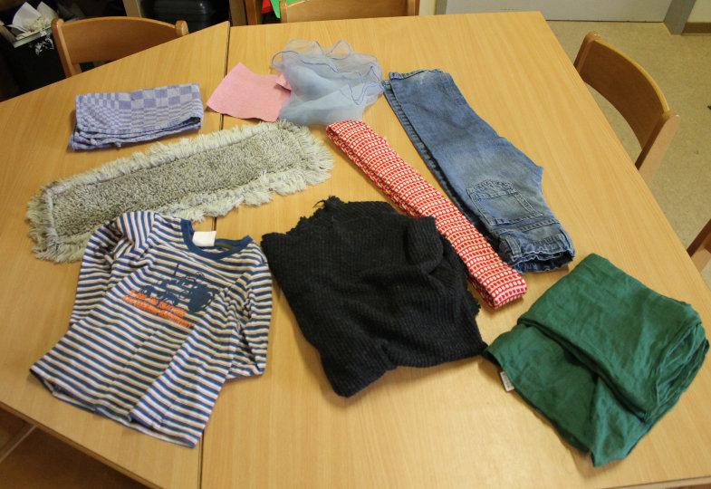 Auf Stoffsafari: Textilien ausfindig machen und untersuchen