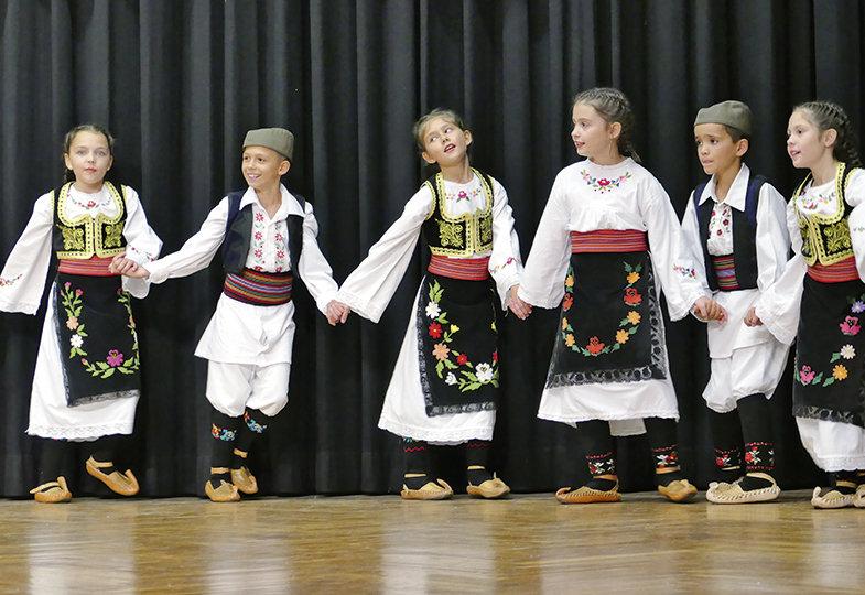 Ja posejah lubenice - Den serbischen Volkstanz Kolo kennenlernen