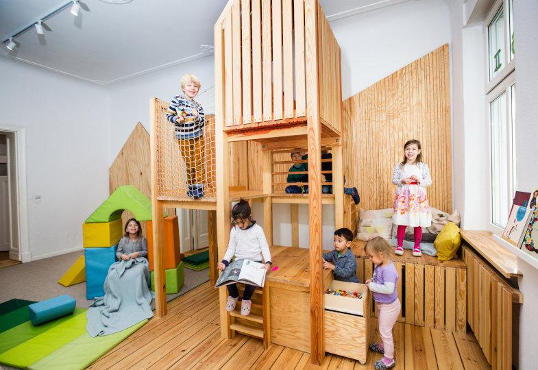 Kita Arbolitos 2: Ein Baumhaus für Raum in der Höhe, Rückzug und Bewegung