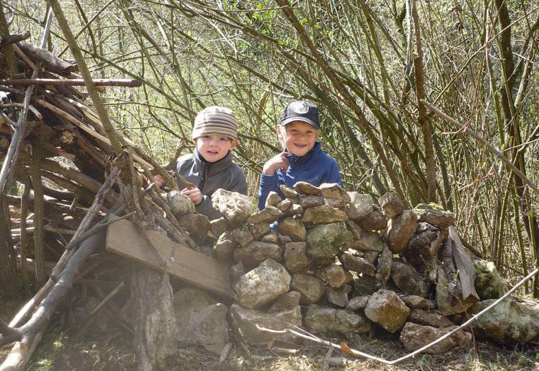 Kribbelzone Natur: Warum der Wald für die Entwicklung von Kindern so wichtig ist
