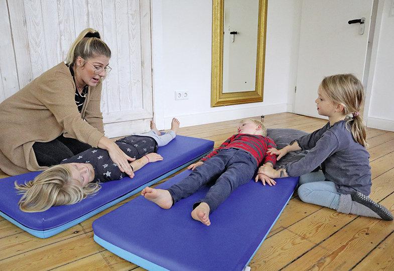 Mit sanften Händen - Verse und Umsetzungsimpulse für (Partner-)Massagen