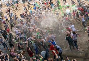 Der Ostermontag gleicht in Polen einer riesigen Wasserschlacht
