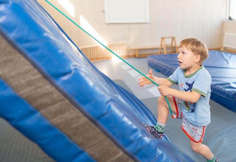 Steigen oder ziehen: Der Spielaufbau bietet verschiedene Arten, in die Höhe zu gelangen