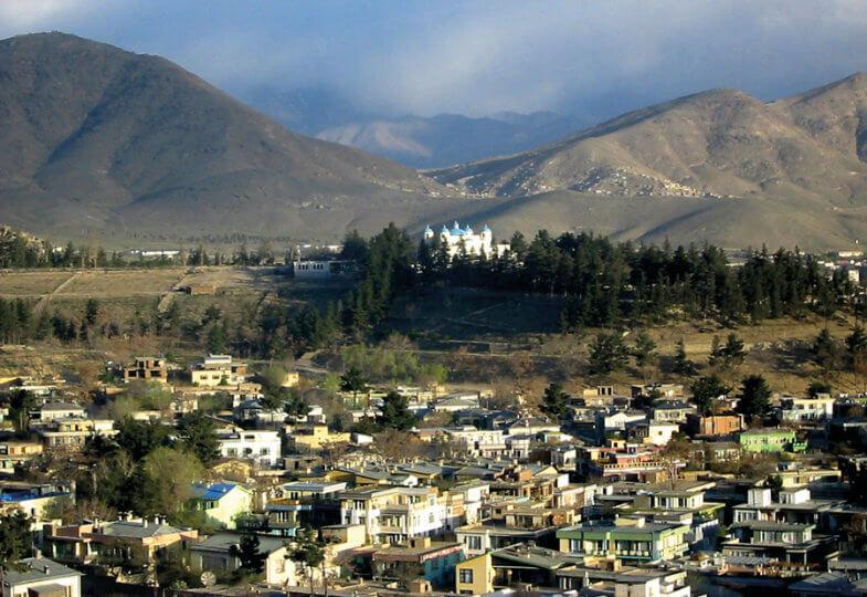 Die Berge, der Himmel - der Zauber meiner Erinnerung an die Stadt, in der ich Kind war.