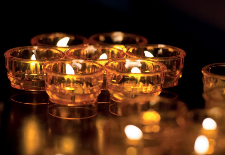 Kerze: Liebe, die das Herz erhellt