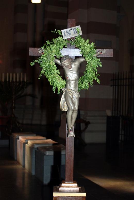 Osterkreuz im Bistum Trier