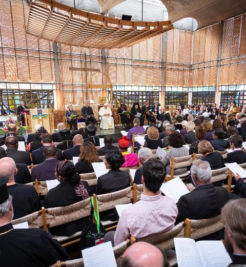 Eine ökumenische Feier mit Papst Franziskus in der Kapelle der Ökumenischen Centrale in Genf
