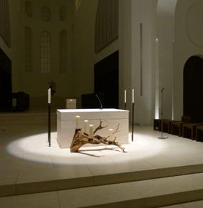 Der Altarraum der Moritzkirche in Augsburg