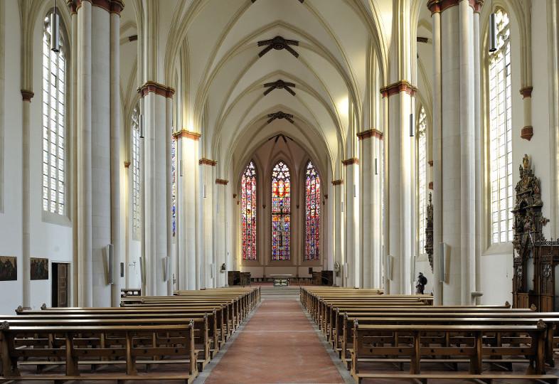 Innenraum der Überwasserkirche, Münster, bei natürlichem Licht