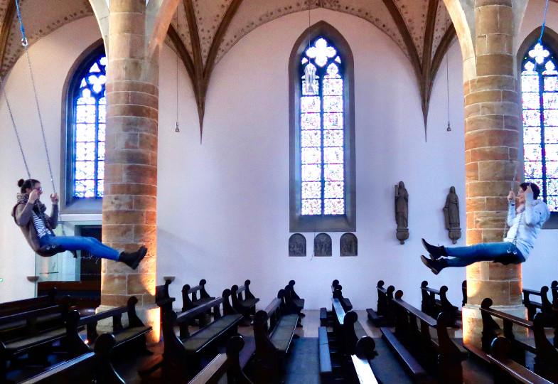 Die Kirchenschaukel in St. Dionysius, Rheine in Benutzung