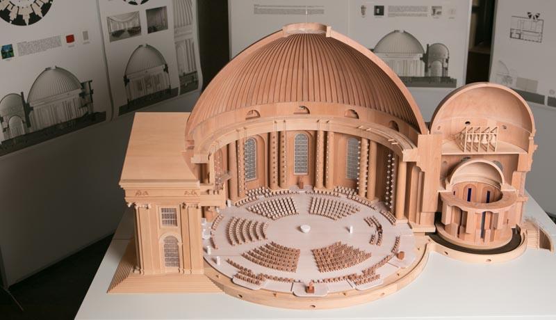 Modell der St. Hedwigskathedrale von Leo Zogmayer
