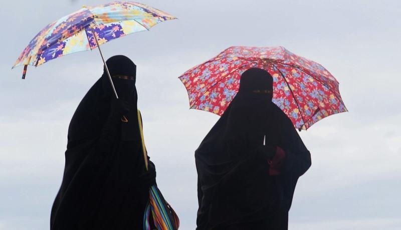 Burka und Niqab sind provozierende Kleidungsstücke