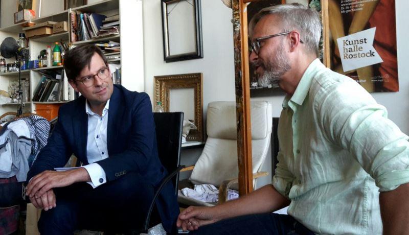 Benjamin Leven (Redakteur der HK) und Michael Triegel