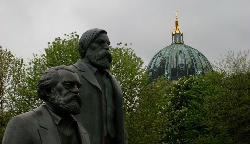 Marx-Engels-Forum und Berliner Dom