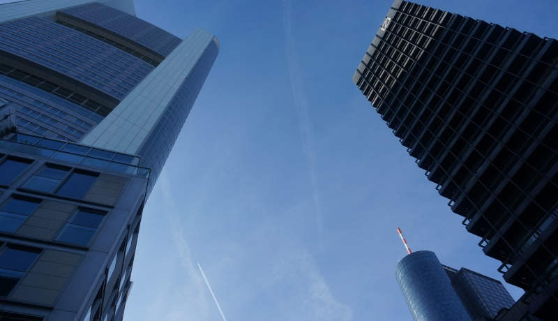 Deutsche Bank in Frankfurt: Wirtschaft und soziale Gerechtigkeit