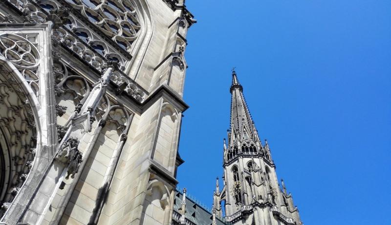 Altarraum im Linzer Dom: nicht überall Zustimmung