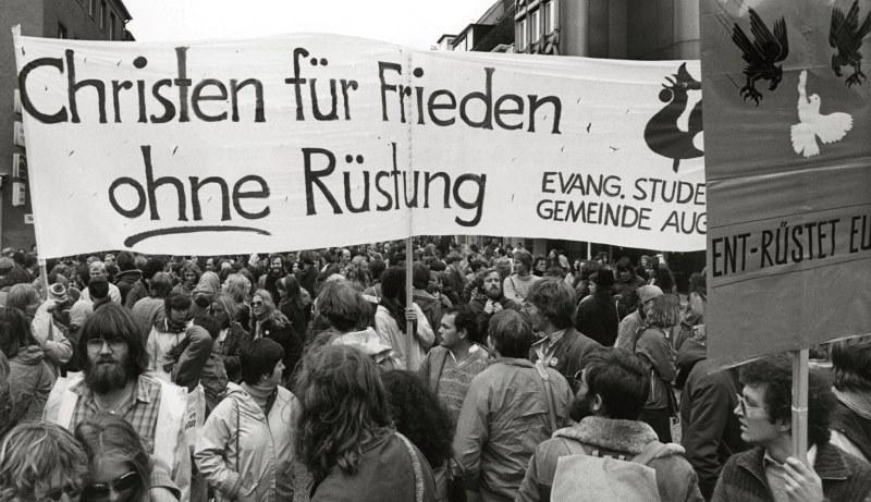 Demonstration gegen Rüstung