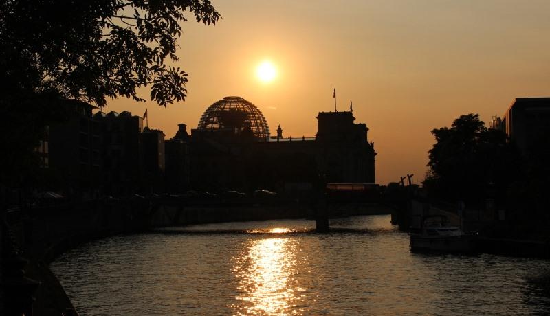 Sonnenuntergang am Reichtstag