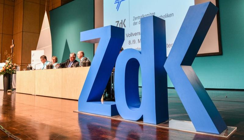ZdK-Vollversammlung mit Buchstaben