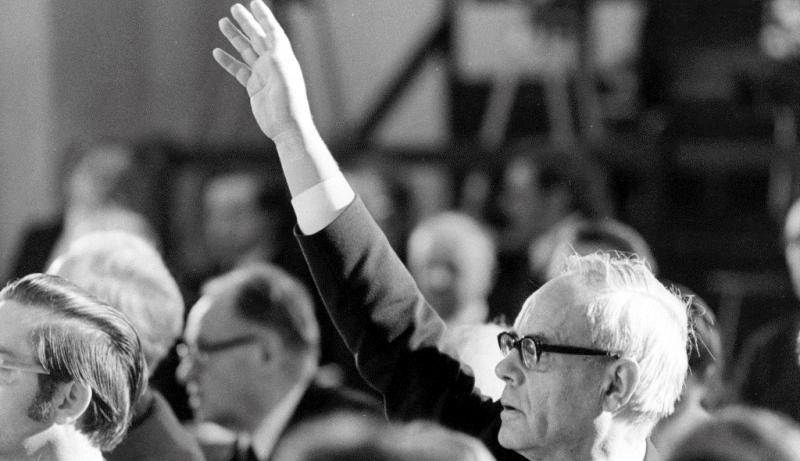 Karl Rahner meldet sich bei der Würzburger Synode zu Wort