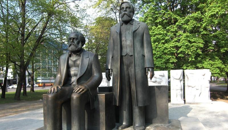 Denkmal Marx und Engels in Berlin