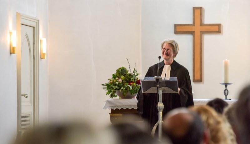 Pastorin in der evangelischen Kirche