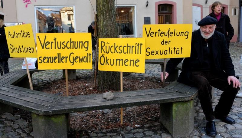 Demonstration gegen Missbrauch in der Kirche
