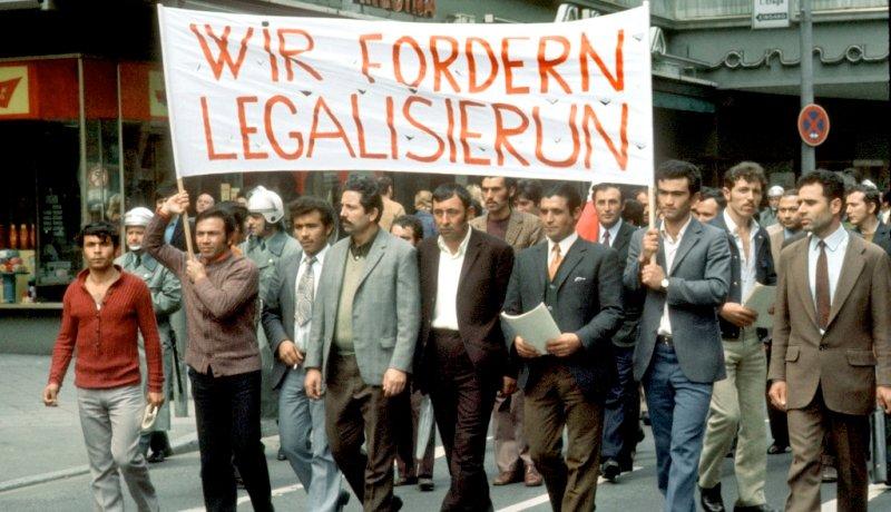 Gastarbeiter fordern in den 1970er Jahren Legalisierung