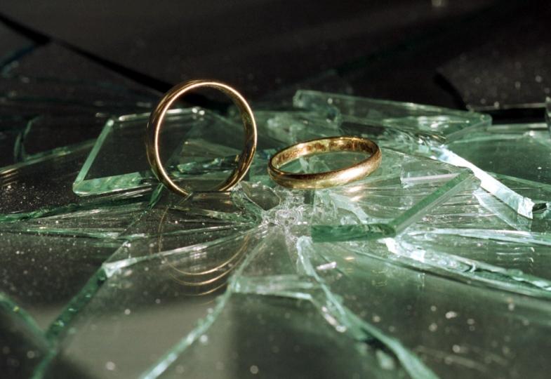 Scheiternde Ehen und das Kirchenrecht