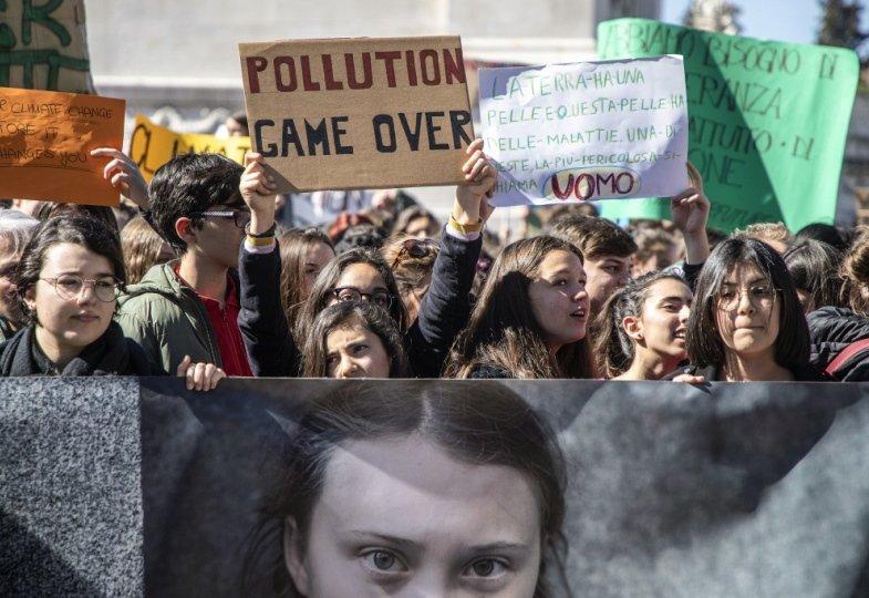 Schüler demonstrieren für Klima- und Umweltschutz